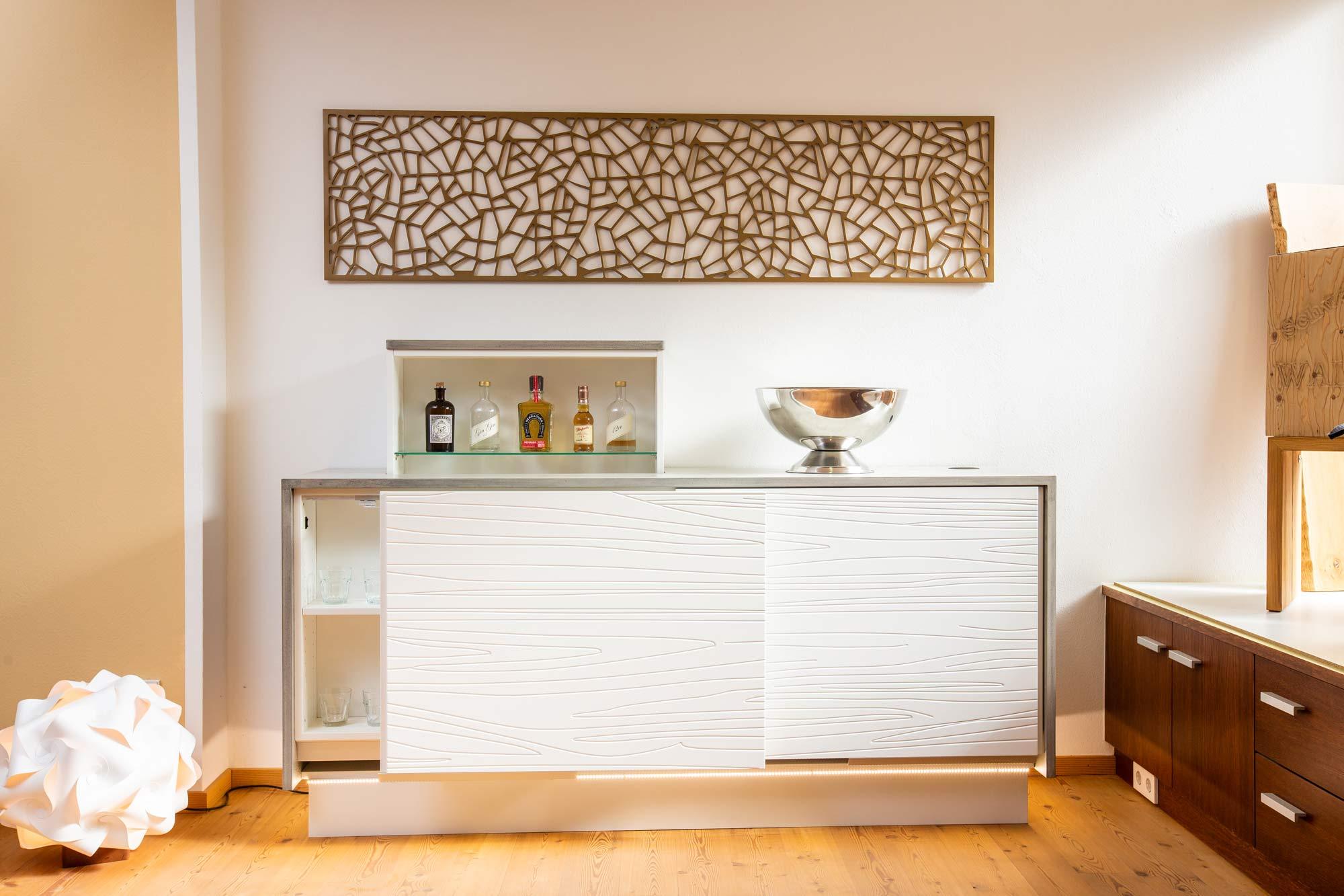 schnurr-die-raummoebelbauer-wohnen-kommode-voll-offen